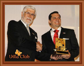 villa-club-recibe-gptw-2013
