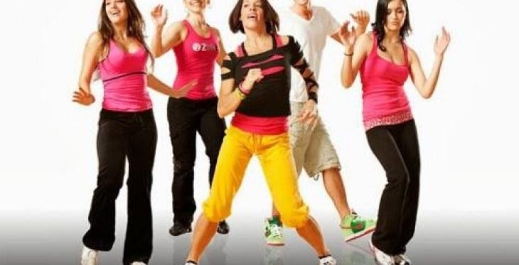Club de bailoterapia y charlas de nutrición