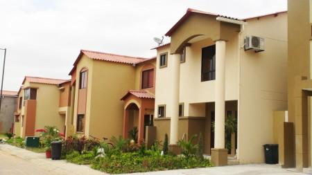 Continúan avanzando en la construcción de nuevas casas. Avance de obra en Urbanización Natura